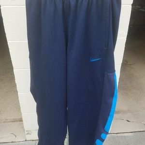 Nike Therma Fit